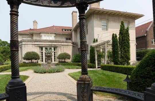 Frederick Fisher House In Detroit S Arden Park East Boston