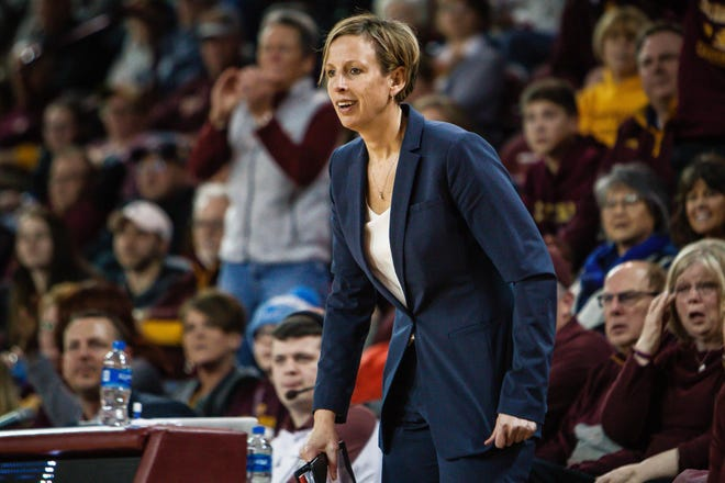 Heather Oesterle, a former Mason High star who went on to play at Michigan, was named the head coach of the Central Michigan women's basketball team on Friday.