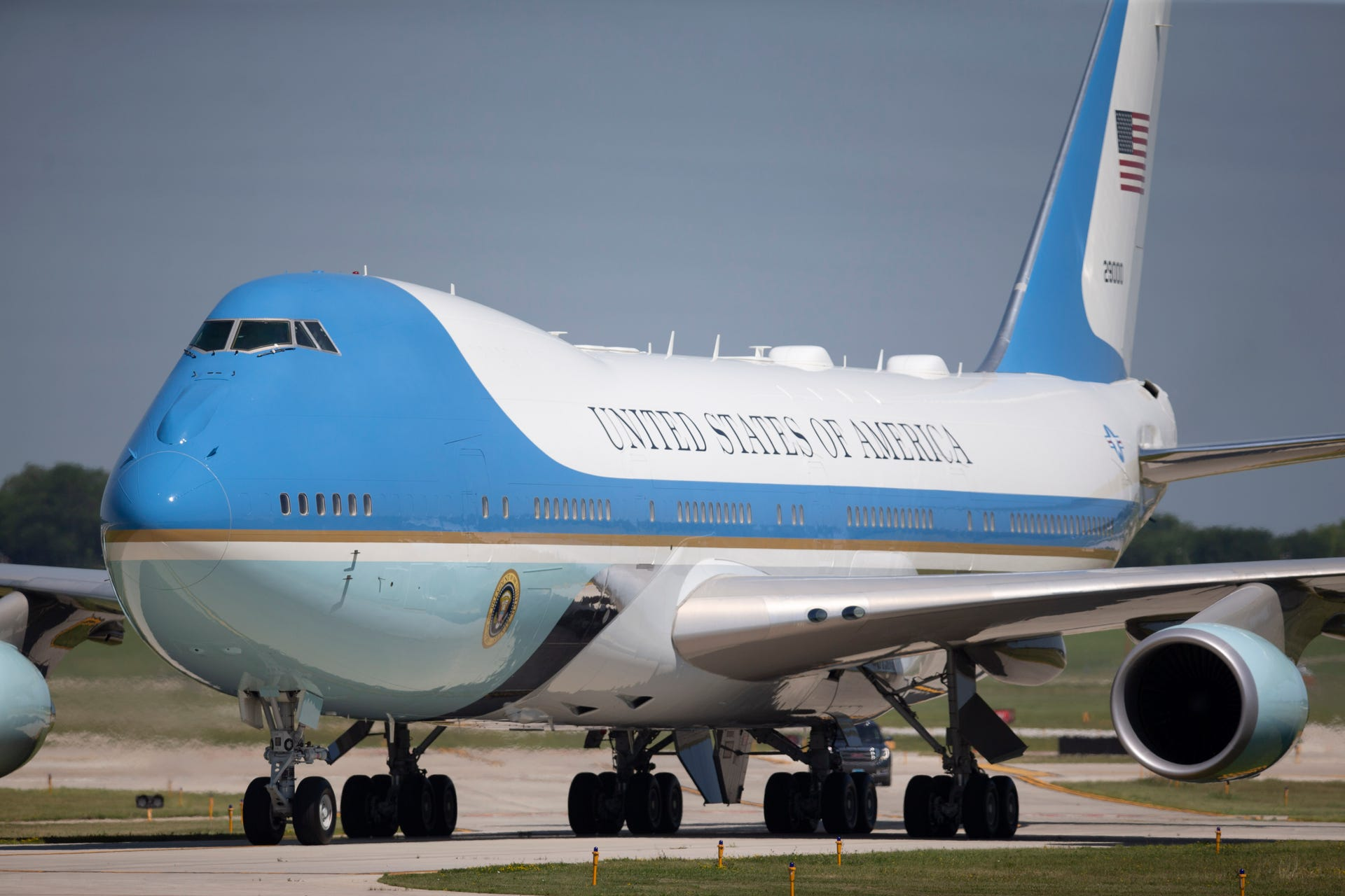 Air Force One lands at the 128th Refueling Wing in Milwaukee.