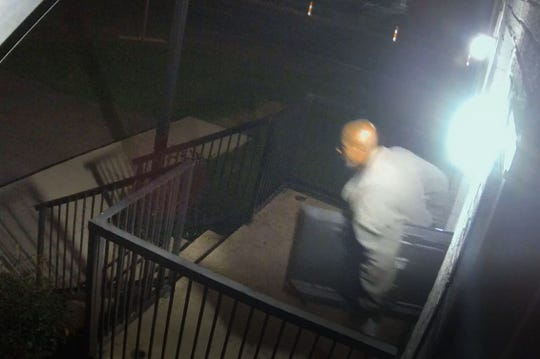 Nashville police are searching for suspects in a string of Airbnb burglaries at a complex on 2nd Avenue South. One of the suspects was captured on surveillance video.