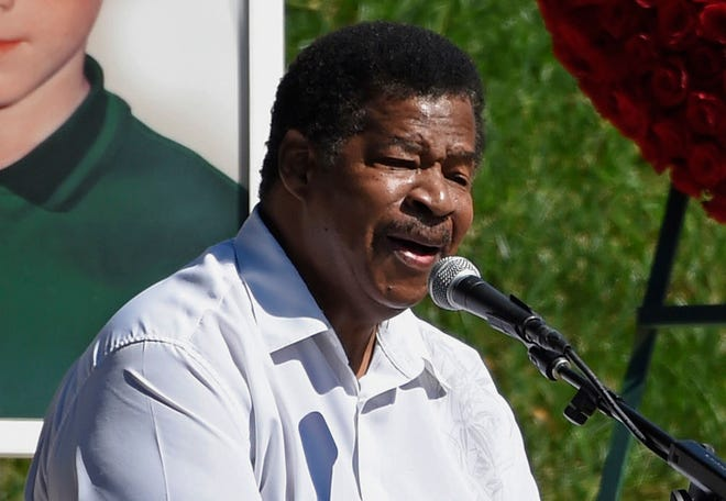 """In this Oct. 8, 2017 file photo, singer Jerry Lawson performs the song """"Lay Down"""" at a life celebration and statue unveiling for the late actor Anton Yelchin at Hollywood Forever Cemetery in Los Angeles. Longtime friend Rip Rense says Lawson died Wednesday, July 10, 2019 in Phoenix after a long illness. He was 75."""