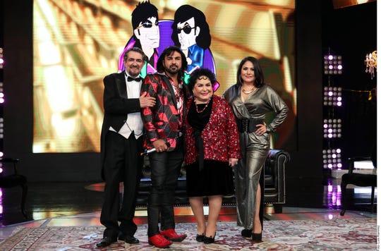 'El Flaco' Ibañez, Albertano, Carmen Salinas y Vanessa Bauche, parte del elenco de 'Nosotros Los Guapos'.