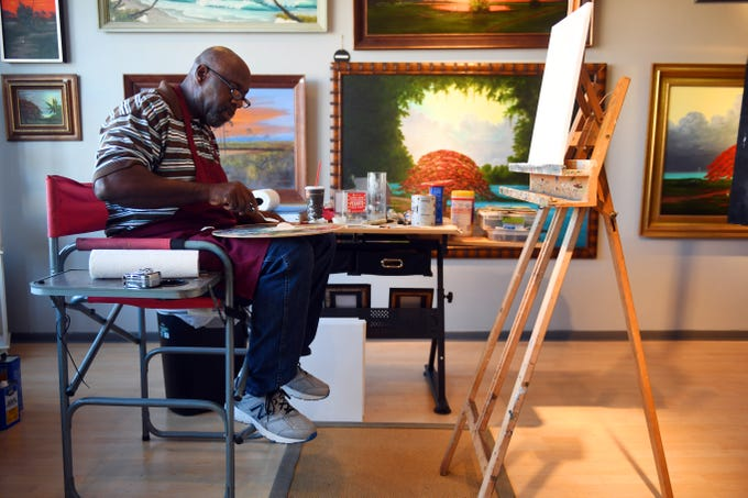 You can find Ray McLendon most evenings sitting in his studio in downtown Vero Beach putting paint to canvas. McLendon works in a style known as Florida Highwaymen art, named after a group of black artists who painted vibrant Florida landscapes and sold their paintings up and down U.S. 1 from the 195s to the 1980s.