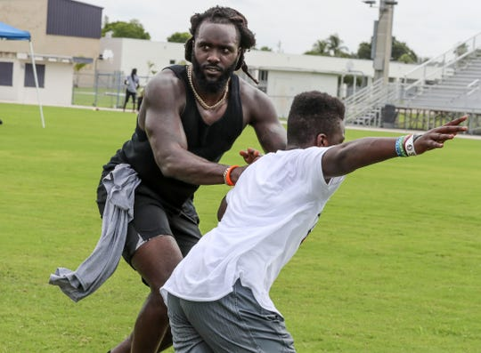 De'Vondre Campbell, Cypress Lake grad and Atlanta Falcons linebacker held a youth football camp for boys and girls 8-17.