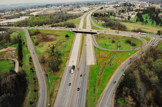 A three-year project in South Salem, Ore., to replace seven bridges, repair another bridge and widen Interstate 5, a major corridor from Washington state to California, was completed in 2008, 85 days late and $2.8 million over budget.