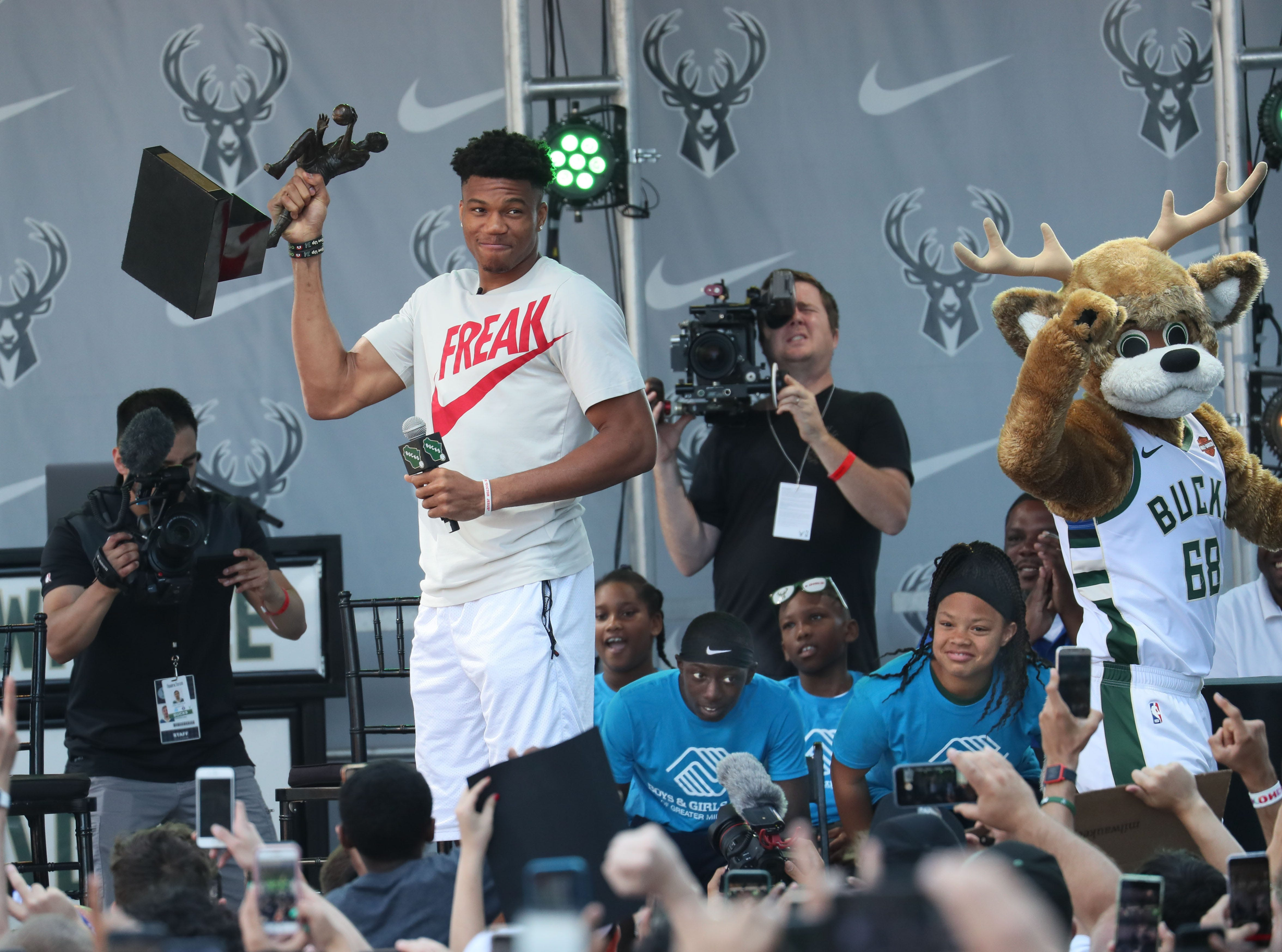 Giannis Wows Bucks Fans With Mvp Trophy New Sneakers