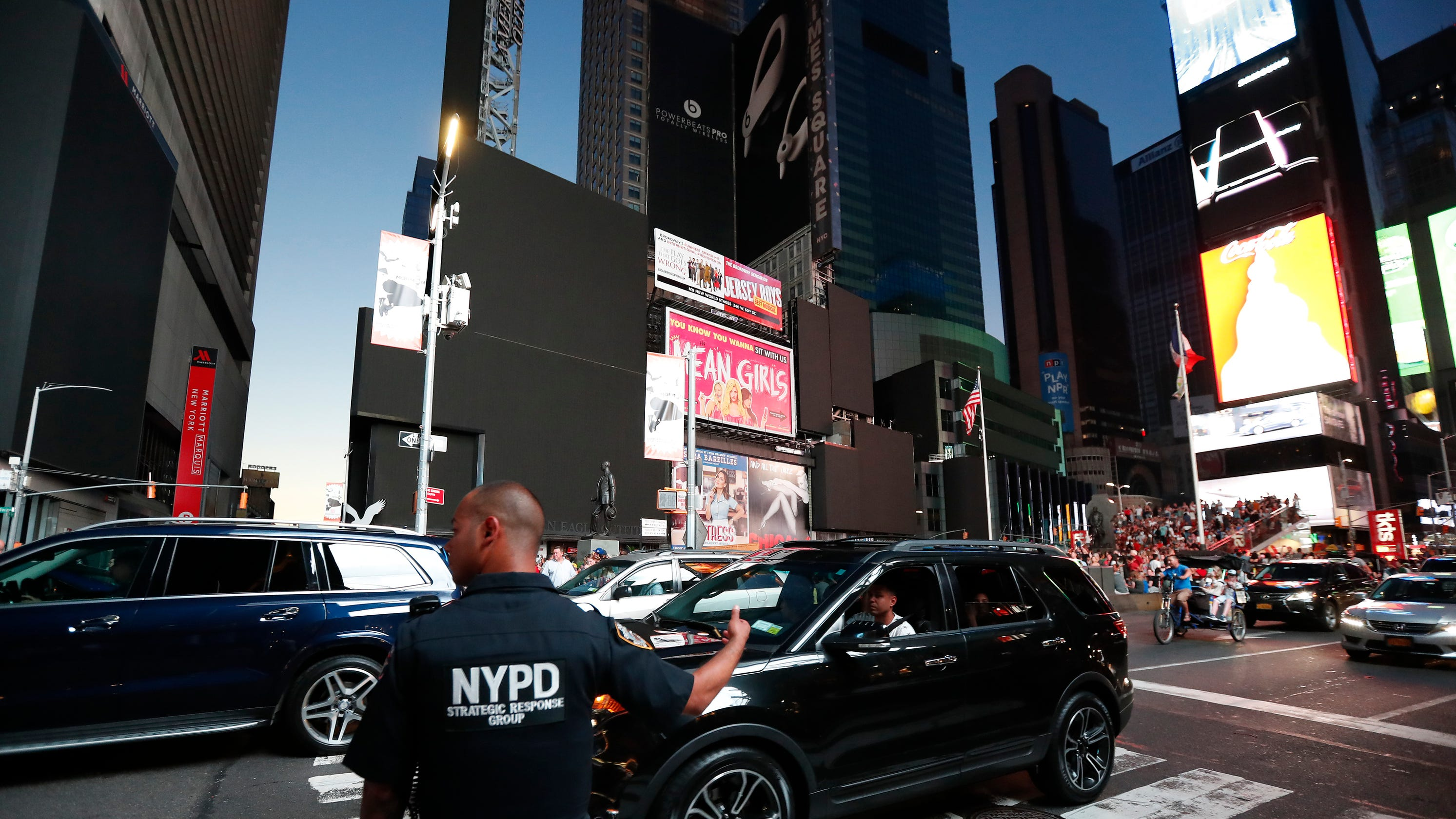 Westlake Legal Group 56e9d026-cd7c-4646-856c-327d8aba228c-AP_New_York_Power_Outage_2 New York City power outage: Here's what we know about the widespread blackout