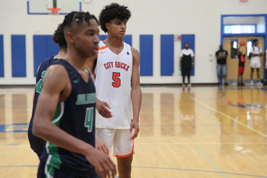 Class of 2020 small forward Andre Jackson (5) gets ready for a play at the 2019 Peach Invitational Tournament.