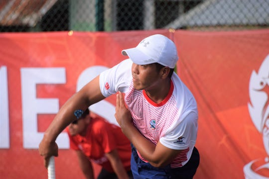Danny Llarenas steamrolled his opponents in individual tennis play, defeating his opponent from Vanuatu, Noah Bobaleh, 6-0, 6-0 on July 15, 2019, to advance to the third round at the Pacific Games Tennis Tournament.