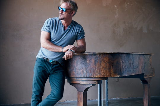 Country singer Phil Vassar performs 9 p.m. Sunday at Milwaukee's Festa Italiana.