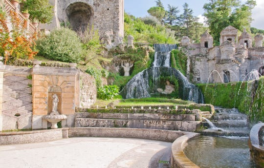 Even tourists with black thumbs will marvel at the gardens at Villa d'Este.