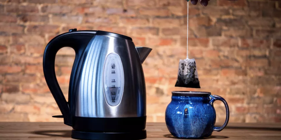 Works like an expensive kettle—but without the hefty price tag.