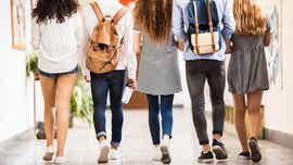 Middle-schoolers protest district dress code