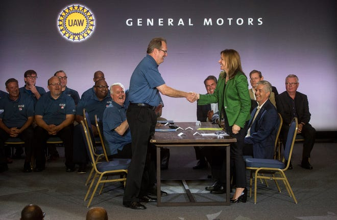 UAW President Gary Jones and General Motors Co. Chairman and CEO Mary Barra open 2019 contract talks for a new national agreement with a handshake on Tuesday, July 16 at the Detroit Marriott Renaissance Center 2019.