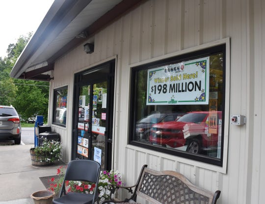 The exterior of Worsham's Market in Hendersonville Monday, July 15, 2019. The store sold a winning Powerball ticket that was worth $198 million.