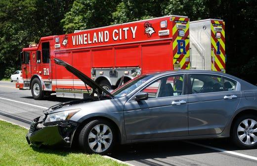 Four injured taken to Inspira after three-vehicle Vineland crash