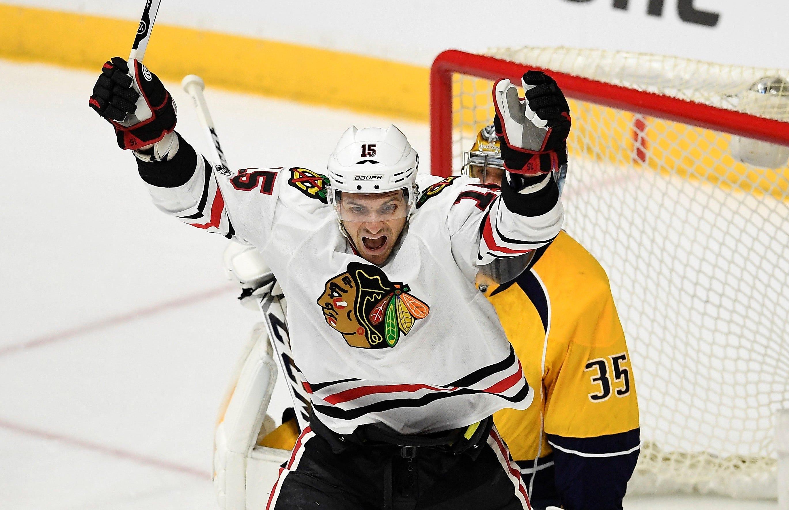 Chicago Blackhawks trade center Artem Anisimov to Ottawa Senators for Zack Smith