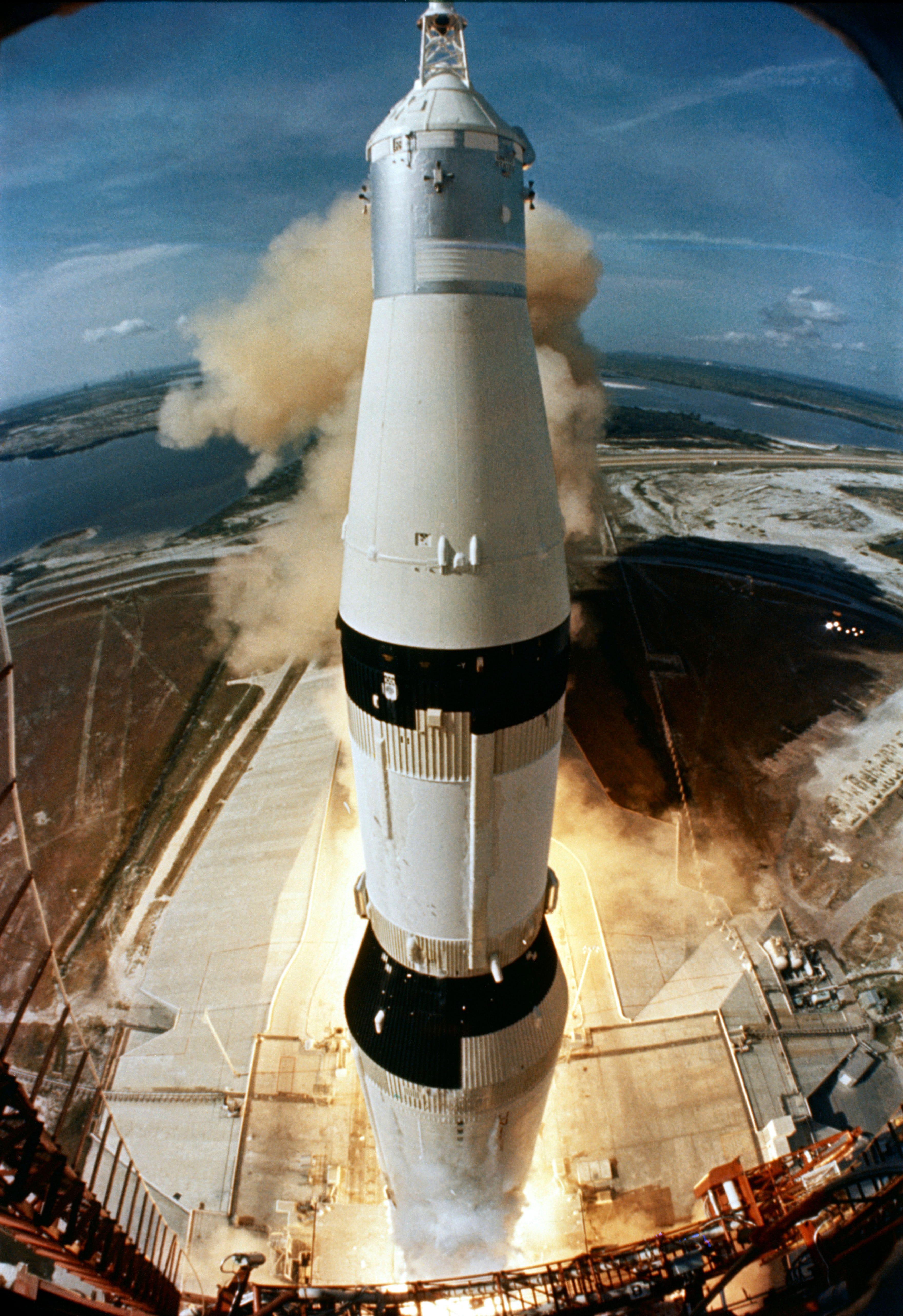 apollo 16 launch - HD1192×1737