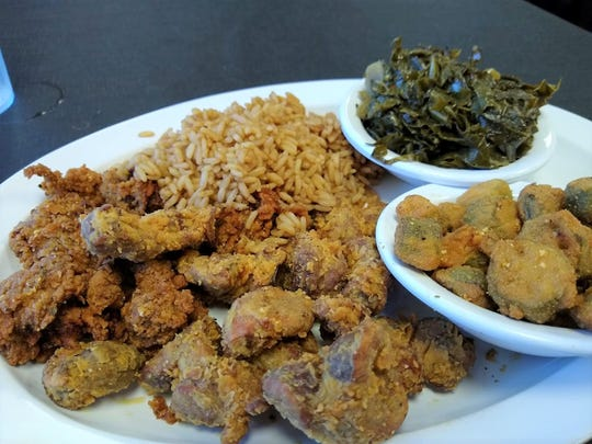 321 Flavor member Suzanne Nealis Ellis raves about the gizzard/liver combo at Skeebo's Rib Shack.