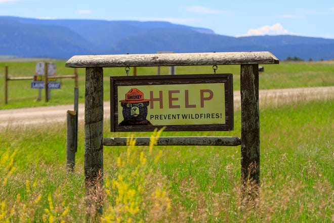 Wildfire Prevention sign turning onto Yogo Road