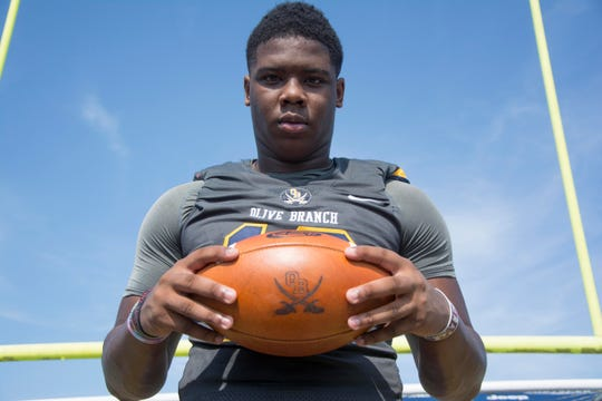 Jevon Banks is a 6-2, 235-pound Outside LB from Olive Branch, MS.