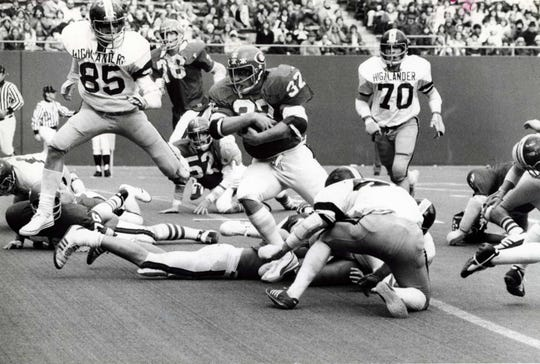 Cliffside Park beat West Milford in a 1977 postseason game at Giants Stadium.