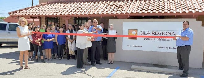 A ribbon cutting celebration took place at Gila Regional Family Medicine on Monday, July 15, 2019. Gila Regional Family Medicine has joined the Deming Community to offer primary care medical services. Specialists will rotate monthly through the Deming office and will be announced as they are scheduled. They are currently booking appointments and available for walk-ins. To request more information or make an appointment, call 575-544-0002 or stop by 901 S. Gold St. You canvisit https://www.grmc.org.
