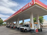 Phoenix police have arrested a man suspected of fatally stabbing a woman at a Circle K near 20th Avenue and Van Buren Street early Saturday morning.