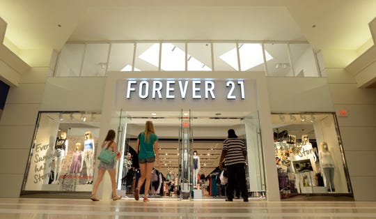 Forever 21 store front in Pierre Bossier Mall.
