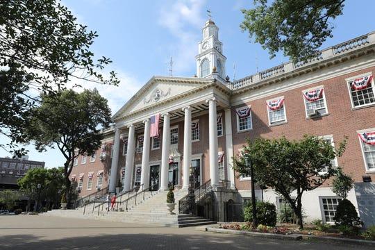 Mount Vernon City Hall, July 17, 2019