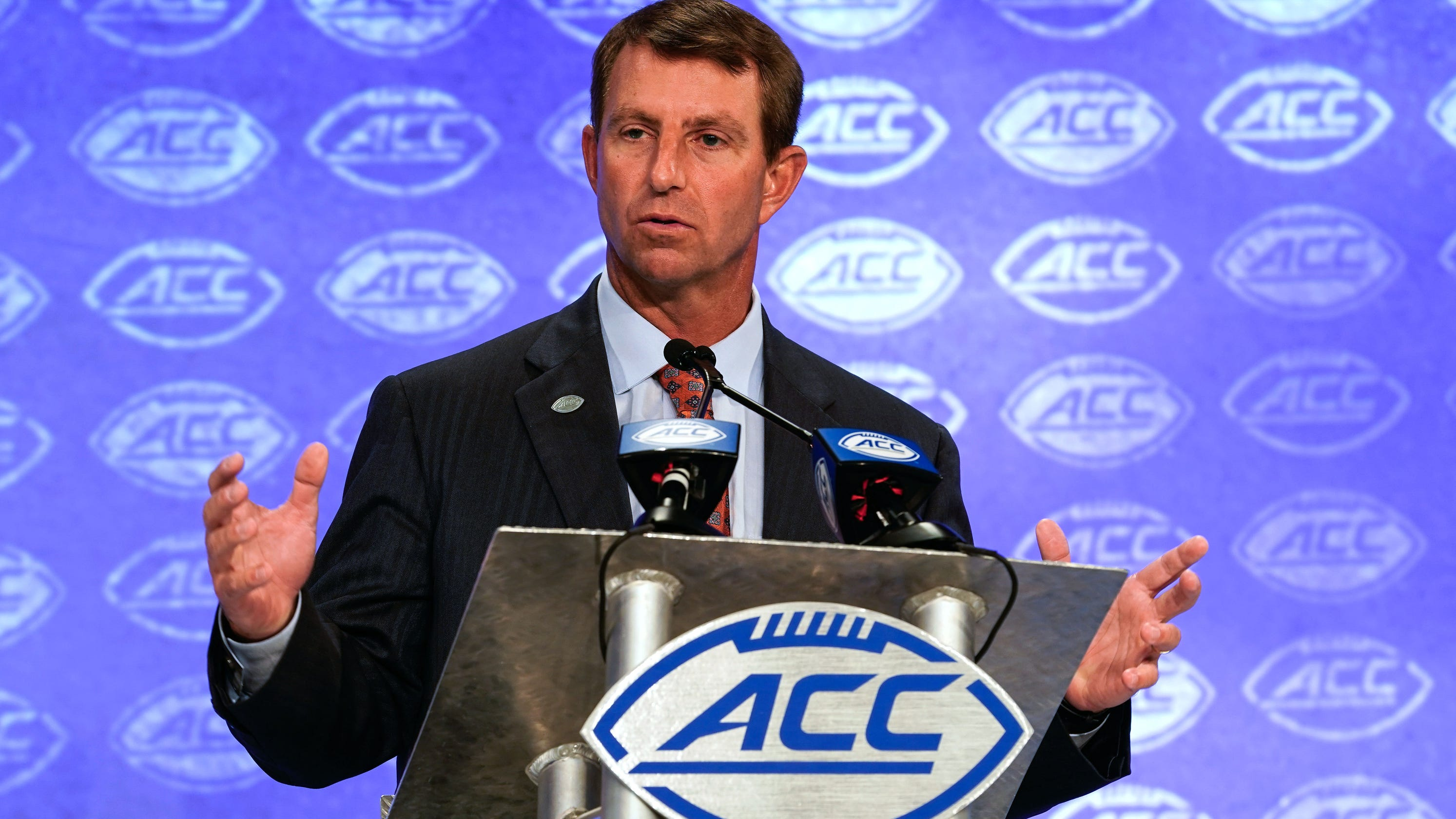 Opinion: Clemson, not Alabama, now face of college football as it aims for national title repeat