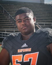 Dareon Wills returns to lead Refugio up front on offense and defense after an all-state junior campaign.