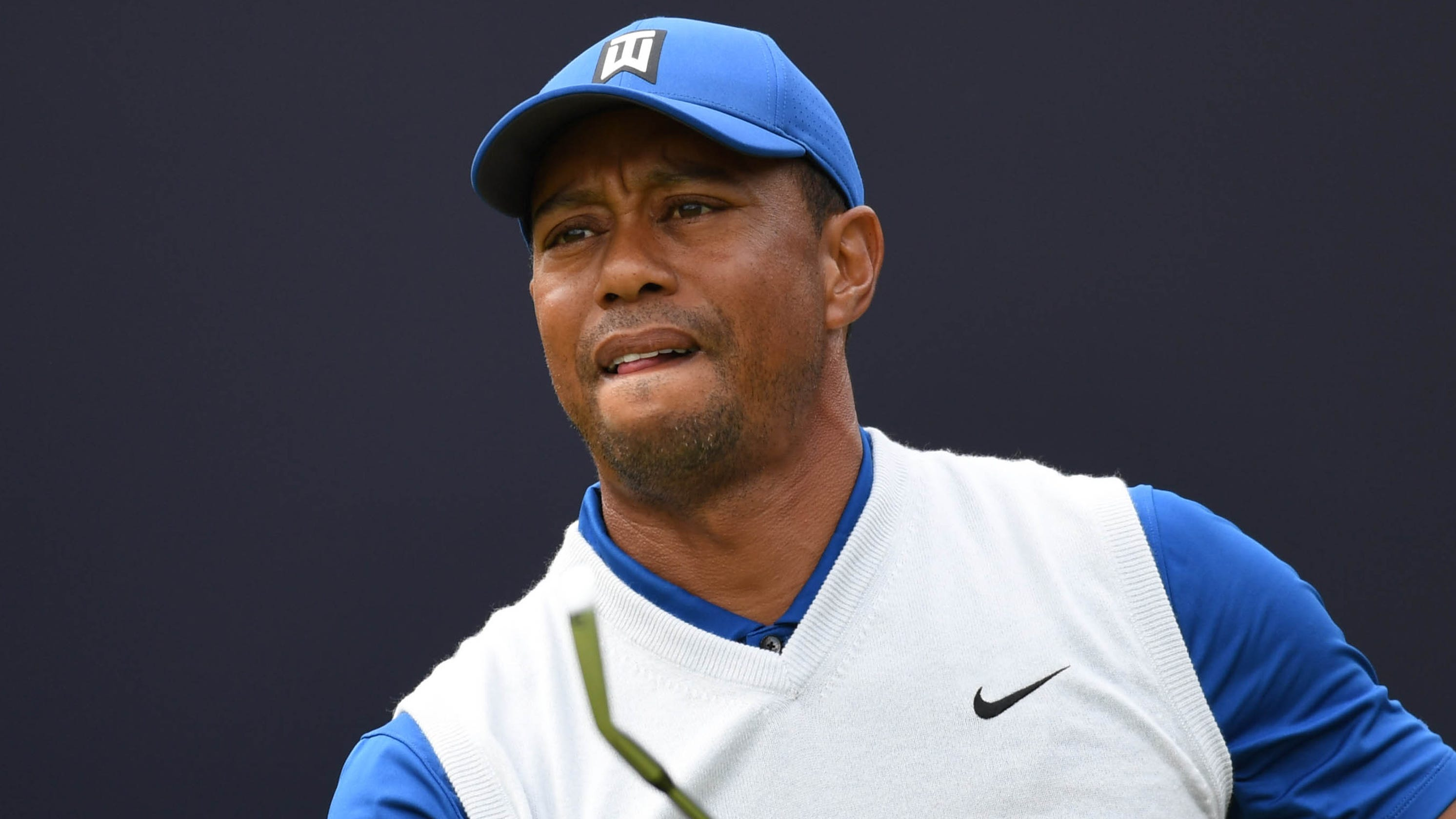 Tiger Woods falls apart in middle of his round, finishes with 7-over 78 at British Open