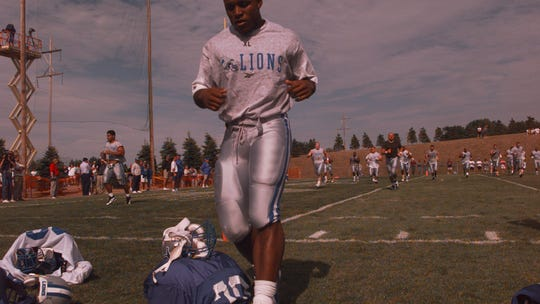 20 years later, Barry Sanders 'not sure' he'd change his retirement