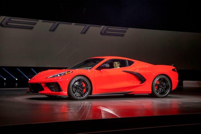 Corvette Stingray Kia Ram Named Motortrend Car Suv Truck Of Year