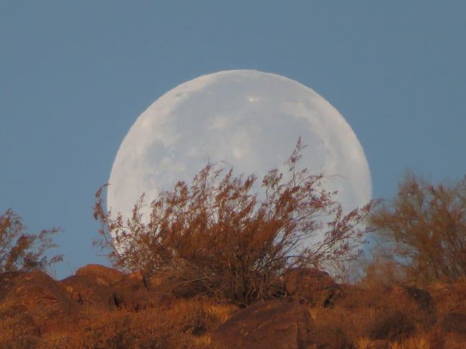 Moonset behind Camelback Mountain