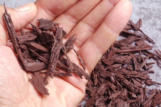 Organic mulches such as leaves, straw and grass clippings keep weeds under control and improve soil as they break down.