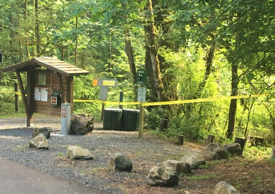 A California man drowned Thursday afternoon after he jumped in theSantiam River in Marion Countyto help his daughter.