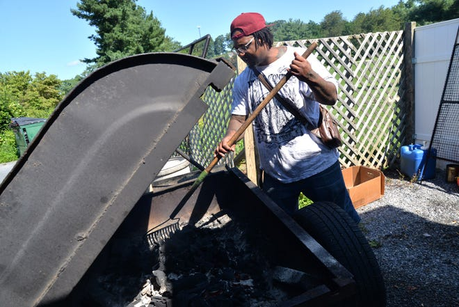 Mandrel Stuart's Smoking Roosters BBQ Pit and Caribbean Cuisine has recently opened in Waynesboro on U.S. 250.