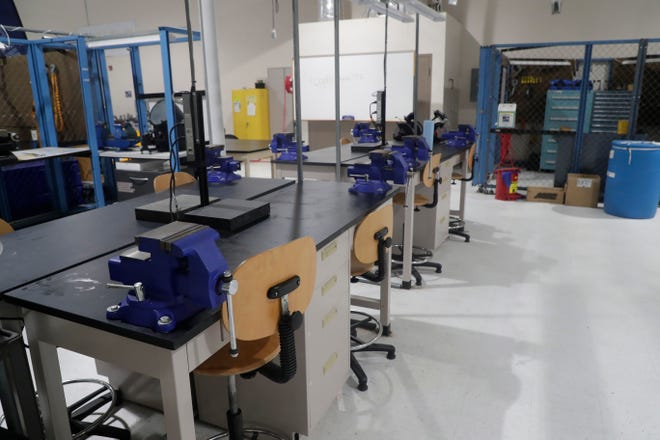 Tallahassee Community College  has awarded a $1.6 million contract to Cook Brothers Inc to renovate and expand its welding training program at the Kim Williams Advanced Manufacturing Training Center .