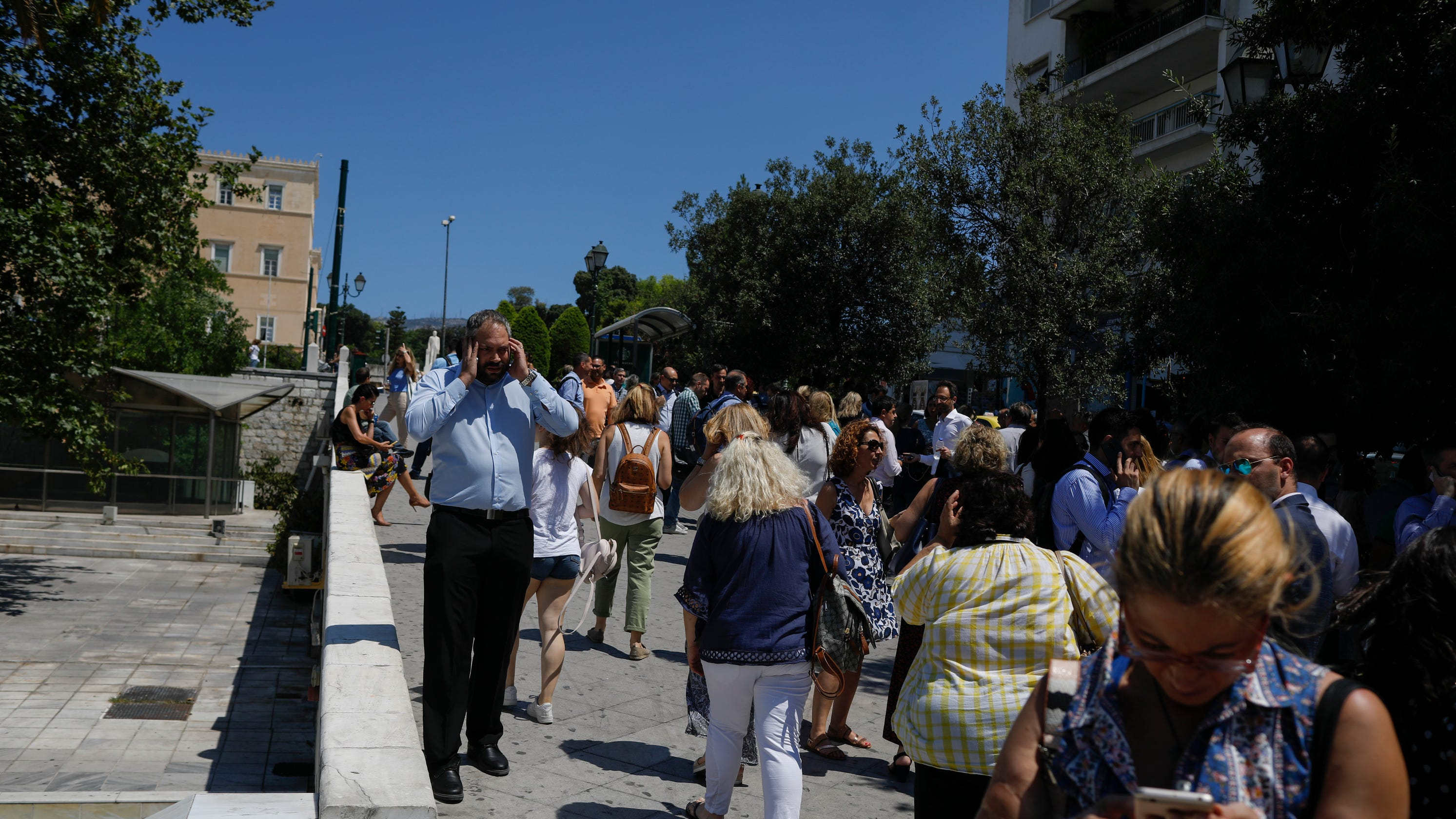 Earthquake in Athens, Greece is 5 1 shake