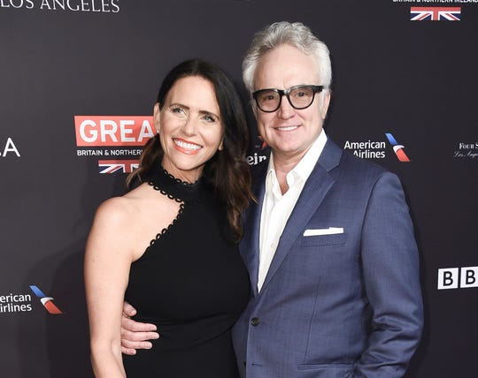 Congratulations are in order – Amy Landecker and Bradley Whitford are married.