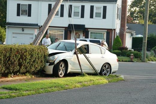Roses In Garden: Theft At Garden State Plaza, Car Chase, Crash In Fair Lawn