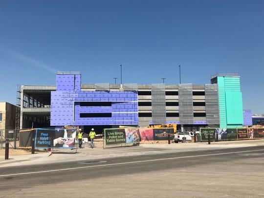 El nuevo casino contará con garage para estacionar los autos.