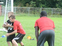 Former Buckeyes provide lessons for area youth