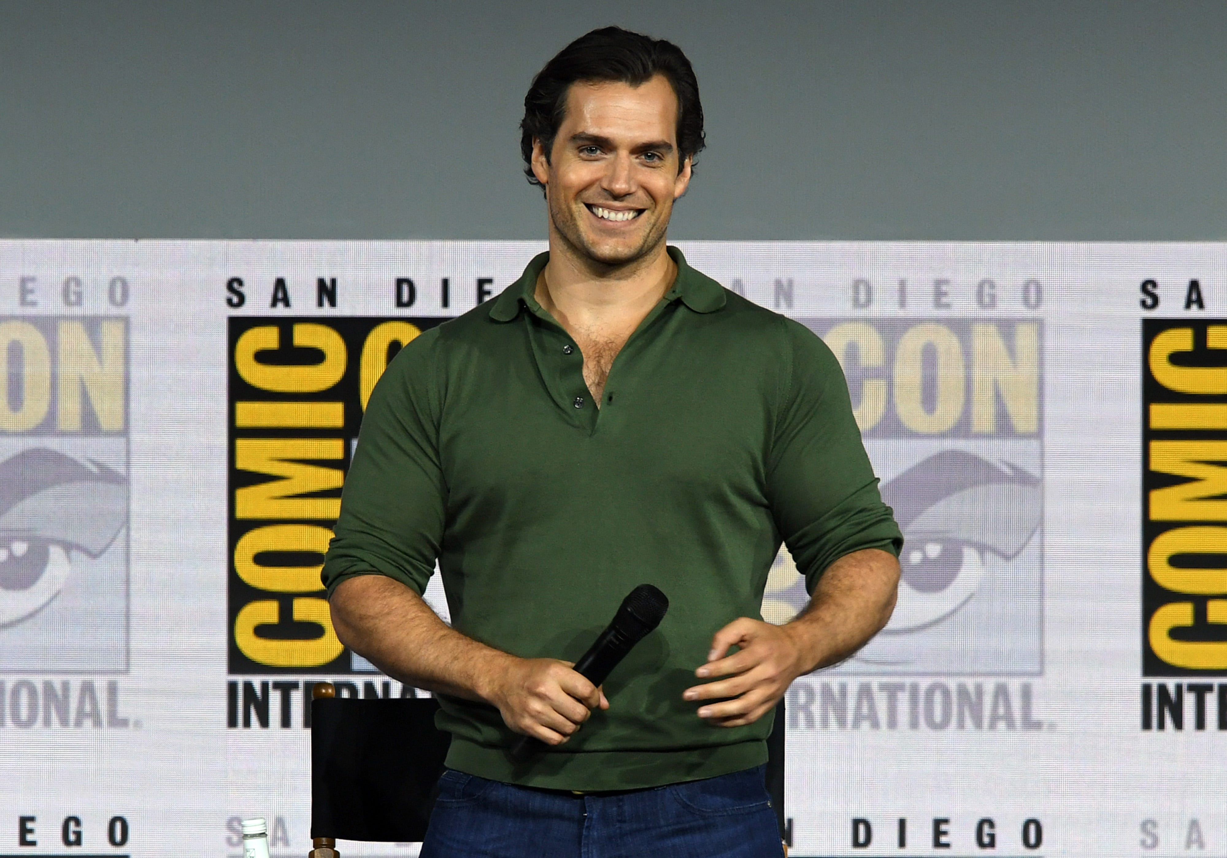 Henry Cavill asks fans to stop gossiping about his relationship:  It causes harm to the people I care about
