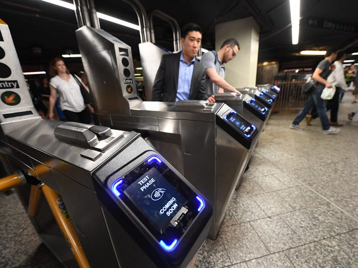 5/22/19 2:41:16 PM -- New York, NY, U.S.A  -- New York subway riders will be able to tap and pay the fare starting May 31. 