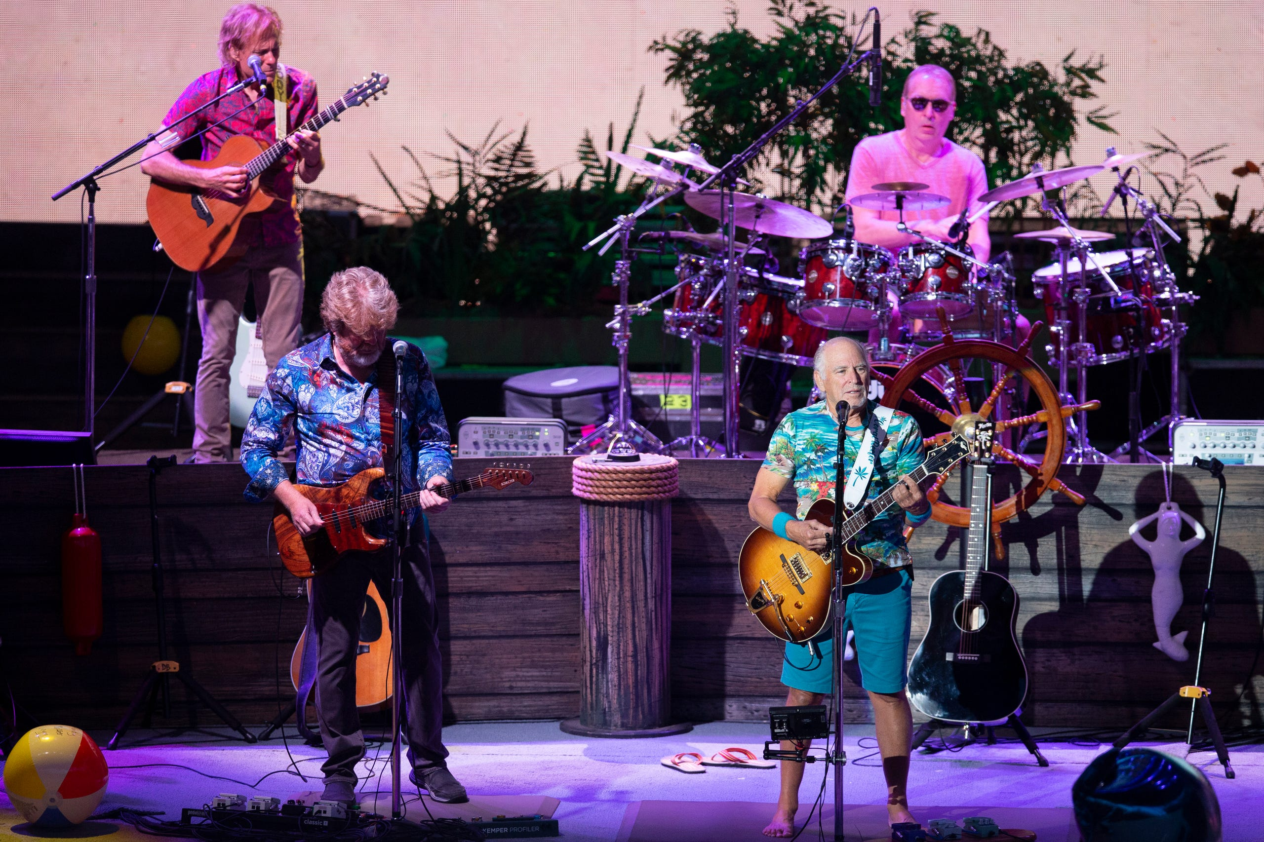 Jimmy Buffett and the Parrotheads return to Alpine Valley