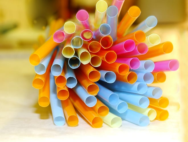 Commentary: No, using reusable straws isn't risk. Not using them is. (Dreamstime/TNS)