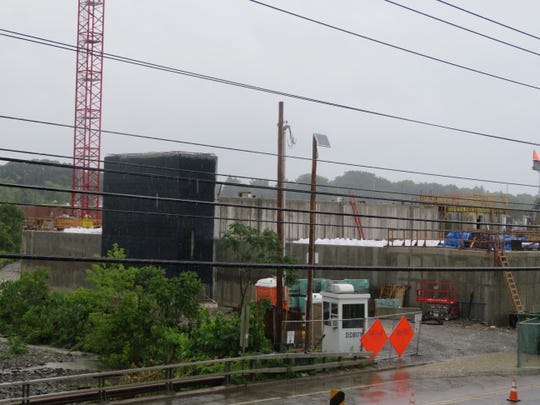 The Department  of Environmental Conservation, growing uneasy about a string of delays at the Binghamton Johnson City Joint Sewage Treatment plant, has threatened the owners with fines of up to $37,500 each day.